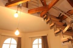 Villa Emma Gent: toegang mezzanine in gastenkamer Acacia