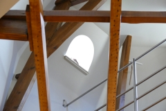Villa Emma Gent: patrijspoort toren in gastenkamer Acacia